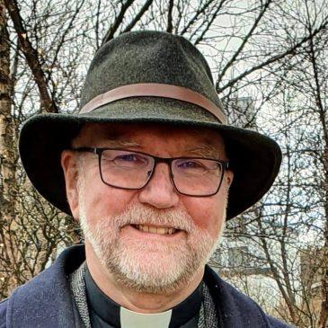 Fjölbreytt dagskrá á samkomu í kvöld. Ræðumaður: sr. Magnús Björnsson